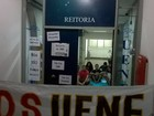 Estudantes da Uenf ocupam reitoria e cobram auxílio moradia e restaurante