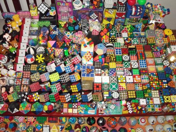 Fabio Graciose tem uma coleção de 1.000 cubos mágicos (Foto: Arquivo pessoal)