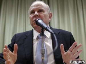 Mantega evitou comentar proposta de intervenção coordenada no mercado de câmbio (Foto: Reuters)