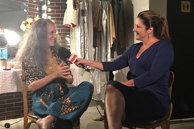 Maria Bethânia dá entrevista a Christiane Pelajo (Foto: Wilson Garcia/ TV Globo)