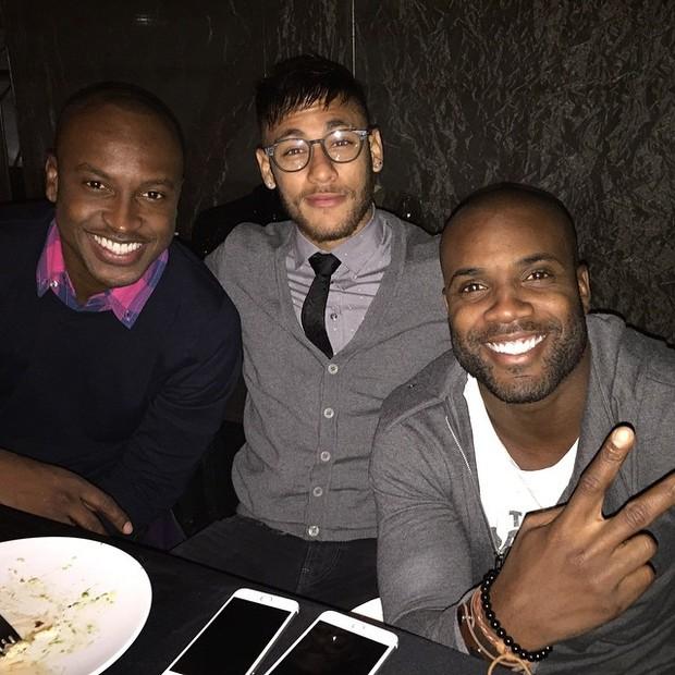Neymar janta com Thiaguinho e Rafael Zulu (Foto: Reprodução/Instagram)