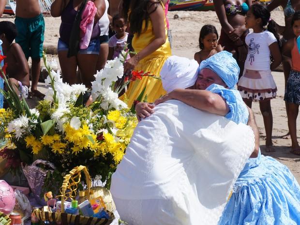 Grupo de Pernambuco vem a Maceió para celebrar dia de Iemanjá (Foto: Paula Nunes/G1)