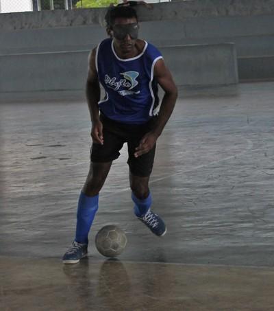 Nonato durante o treino com o time da ADVP (Foto: Henrique Almeida)