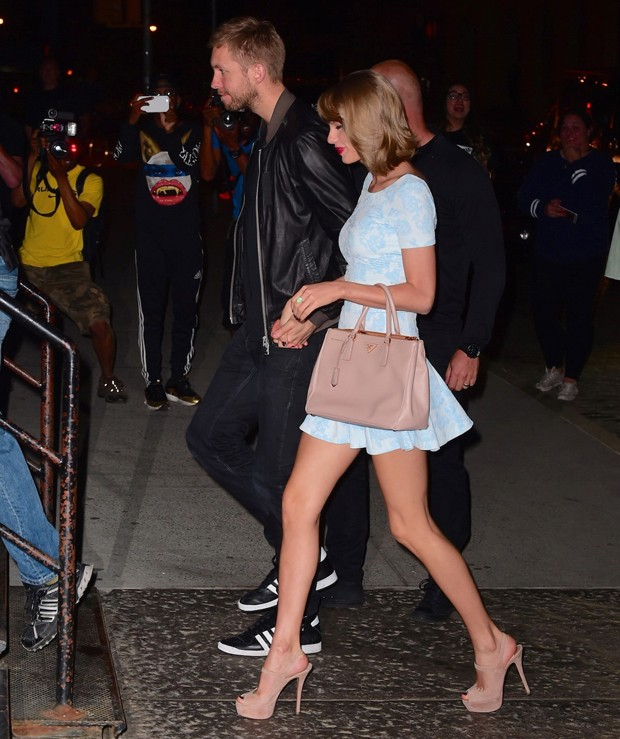 Taylor Swift e Calvin Harris (Foto: Splash News / AKM-GSI)