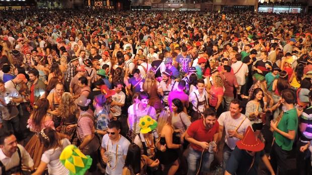 Público consumiu 590 mil litros de chope durante a 32ª Oktoberfest (Jaime Batista/Divulgação)
