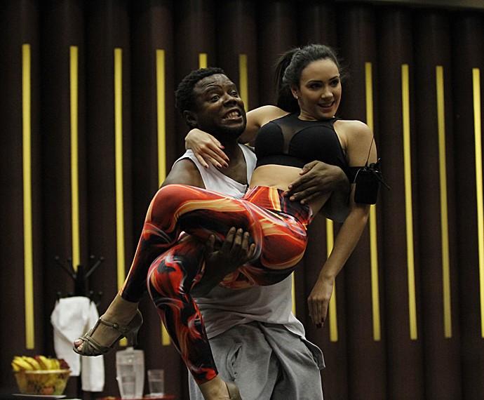 Érico e Gabrielle Cardoso mostram que vão arrebentar (Foto: Fabiano Battaglin/Gshow)