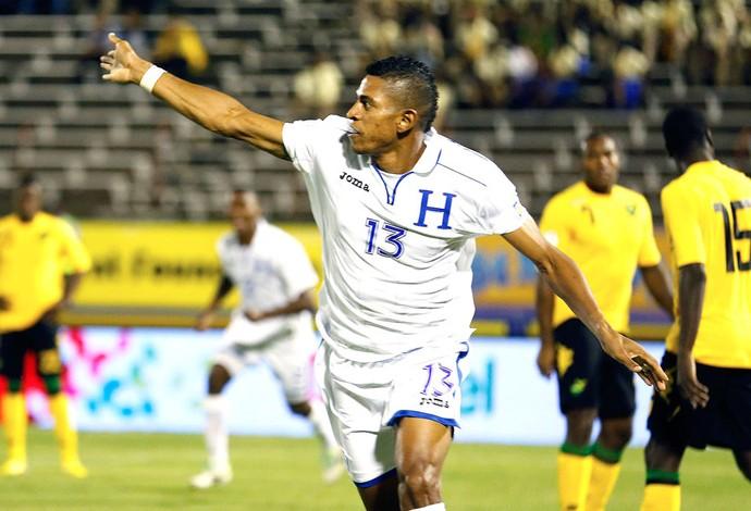 Carlos Costly comemora gol de Honduras contra a Jamaica (Foto: Agência Reuters)