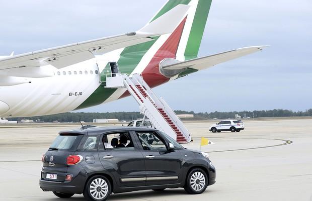 Papa-visita-EUA-a-bordo-de-um-Fiat-500L (Foto: Getty Images)
