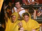 Bruna Marquezine e Stéphannie Oliveira vão a parque em Los Angeles