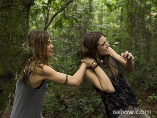 Paulinha não perdoa traição de Lili (Foto: Fábio Rocha/TV Globo)