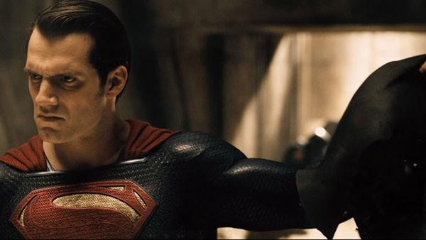 Henry Cavill em Batman Vs Superman (2016) (Foto: Divulgação)