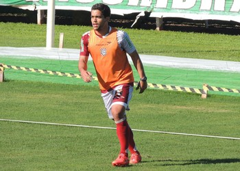 Felipe Figueirense meia (Foto: Renan Koerich)