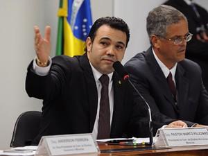 O deputado Marco Feliciano (PSC-SP), durante sessão desta quarta (10) na Comissão de Direitos Humanos (Foto: Luis Macedo/Ag.Câmara)