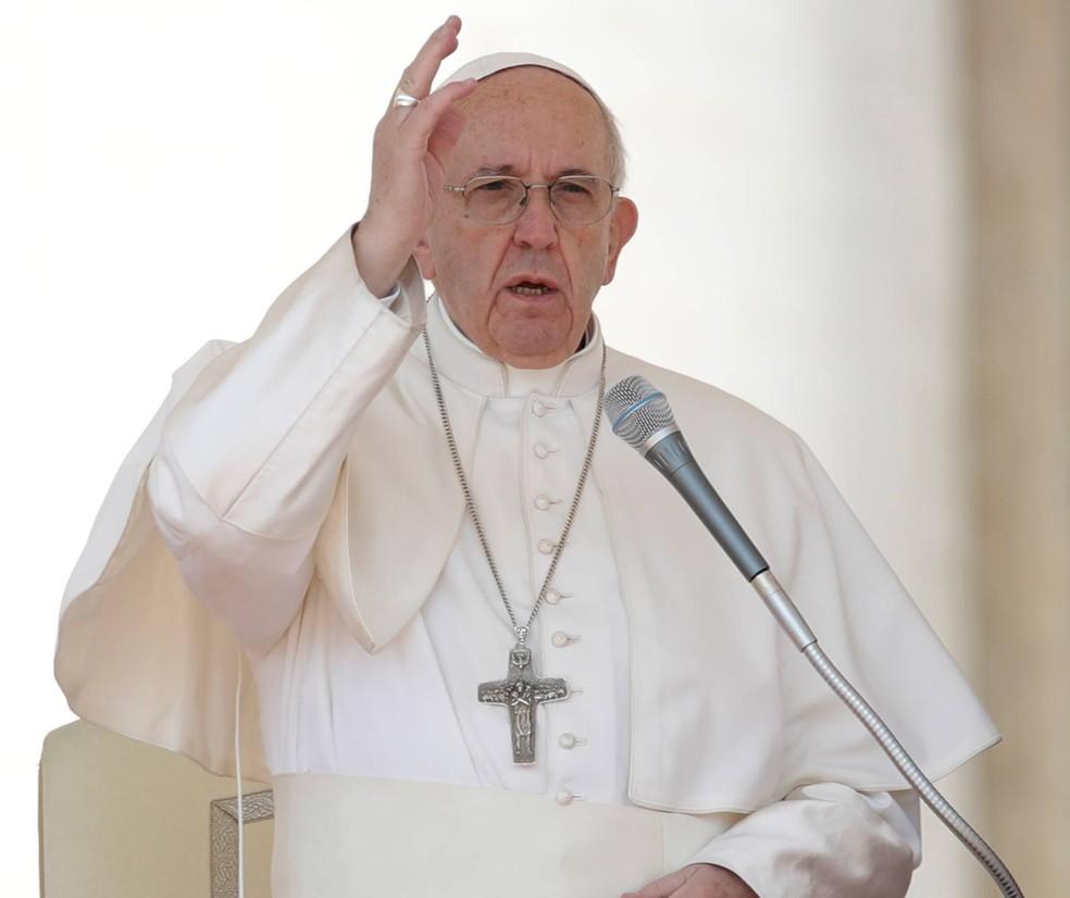 Papa diz estar 'horrorizado' com suposto ataque de armas químicas na Síria (Foto: Alessandra Tarantino/AP)