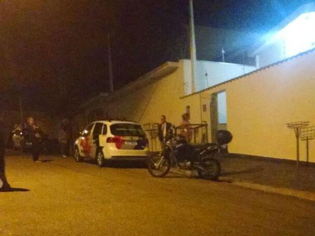 Casal foi encontrado morto em casa em Votorantim (Foto: Ivana Santana/G1)