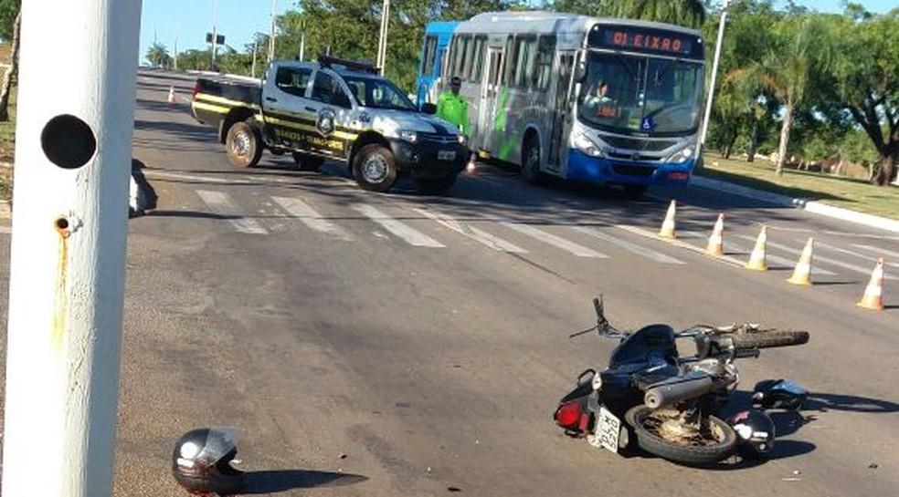 Acidente na avenida Theotônio Segurado provoca morte de motociclista (Foto: Divulgação)