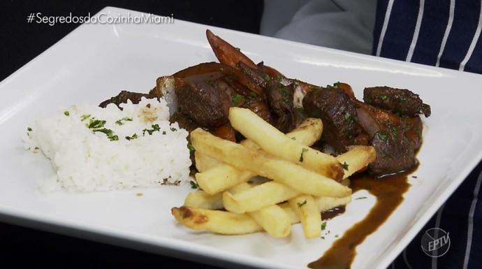 Prato tipicamente peruano é dica no 'Segreos da Cozinha': lomo saltado (Foto: reprodução EPTV)