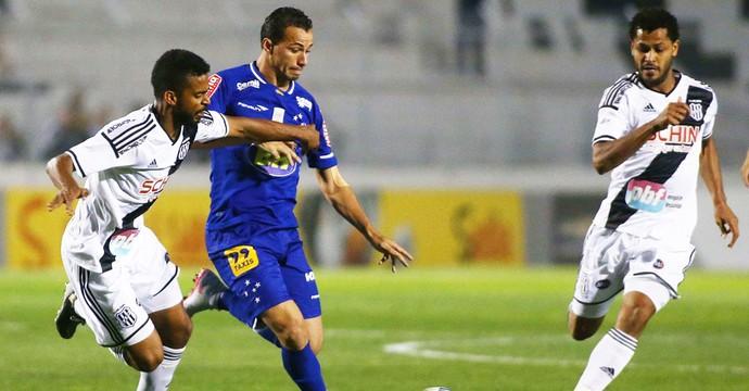 Leandro Damião, Cruzeiro X Ponte Preta (Foto: Marcos Bezerra / Estadão Conteúdo )