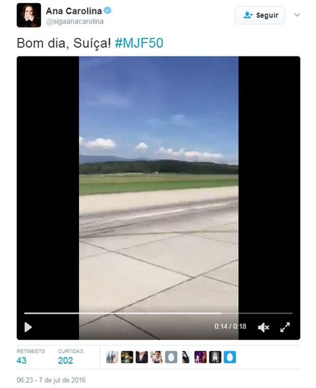 Ana Carolina compartilha vídeo em seu perfil no Twitter chegando na Suíça (Foto: Reprodução)