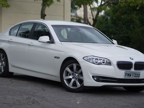 BMW 528i adota motor menor, mas mantm reputao intacta