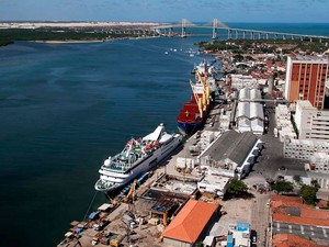 Foto aérea mostra o Porto de Natal, às margens do rio Potengi (Foto: Canindé Soares)