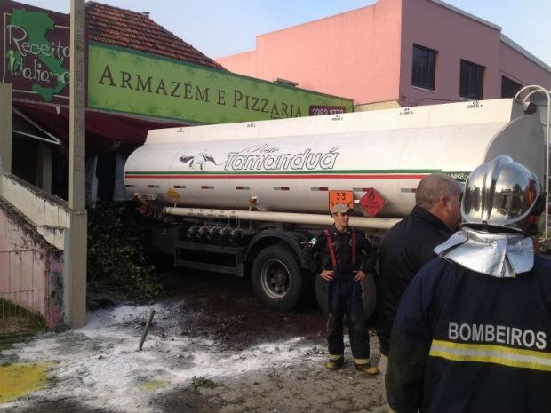 Paraná TV caminhão pizzaria (Foto: Paola Manfroi / RPC TV)