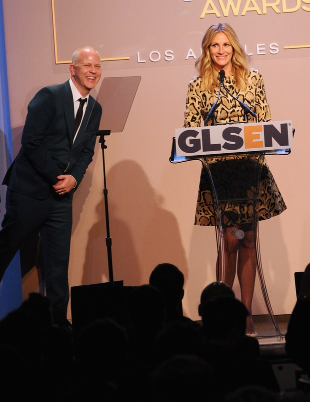 Ryan Murphy e Julia Roberts (Foto: JONATHAN LEIBSON / GETTY IMAGES NORTH AMERICA / AFP)