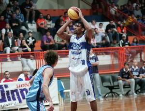 Lance do jogo entre Limeira e Liga Sorocabana (Foto: JB Anthero/Divulgação Winner Kabum Limeira)