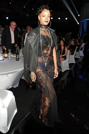 Rihanna em prêmio em Los Angeles, nos Estados Unidos (Foto: Kevin Mazur/ Getty Images)
