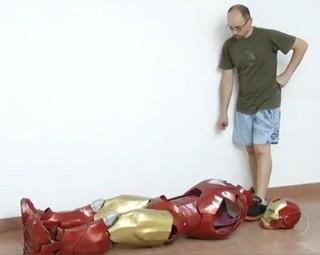 Edílton assistiu mais de 20 vezes os dois primeiros filmes do Homem de Ferro (Foto: Reprodução Rio Sul Revista)