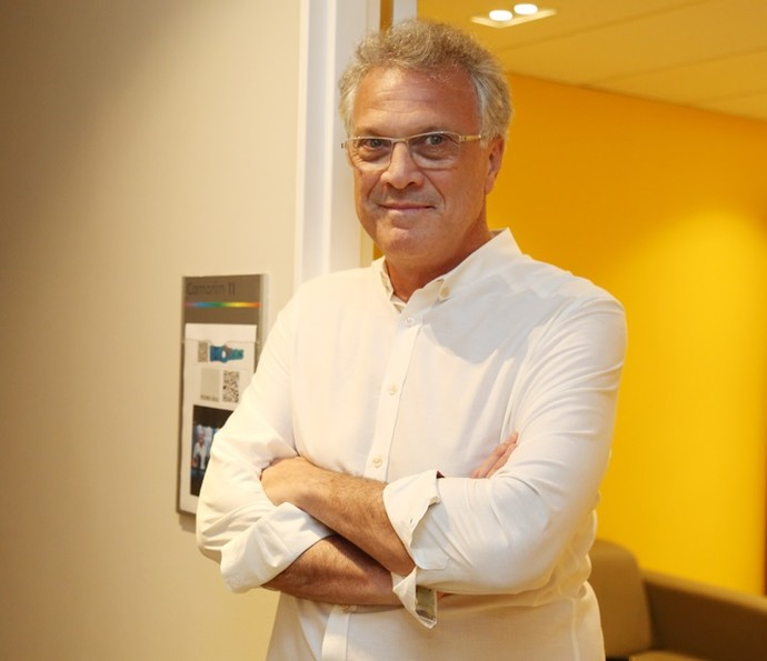 Pedro Bial nos bastidores do 'Altas Horas' (Foto: Carol Caminha/Gshow)
