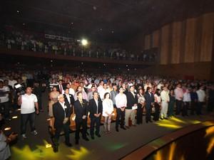 Lançamento aconteceu no Teatro das Bacabeiras, em Macapá (Foto: Cleiton Souza/Agência Amapá)