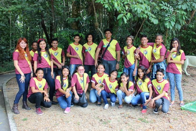 Alunos da E.M Ana Maria de Souza Barros (Foto: Katiúscia Monteiro/ Rede Amazônica)