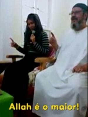 Câmera de celular registrou a conversão de Karina ao islamismo, em 2015. (Foto: Reprodução/ TV Liberal)