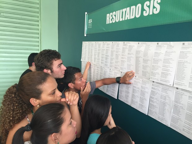 Resultado foi divulgado na sede da reitoria da UEA (Foto: Diego Toledano/G1 AM)