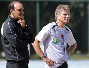 paulo autuori e ricardo gomes vasco treino juiz de fora (Foto: Marcelo Sadio / Vasco.com.br)