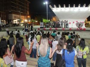 Manifestação de Fé dedicada a Beatriz Angélica em Petrolina  (Foto: Juliane Peixinho/ G1)