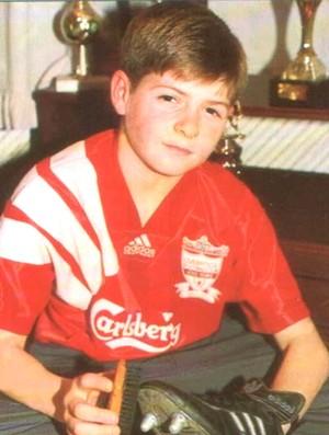 Steven Gerrard criança Liverpool