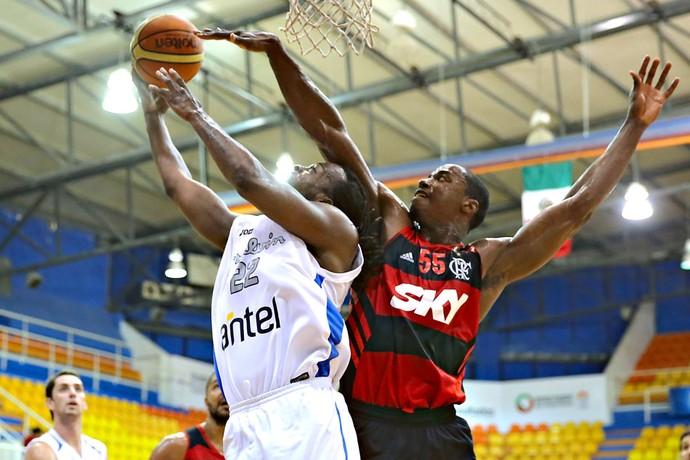 Meyinsse, Malvin X Flamengo - Basquete (Foto: Etzel Espinosa / FIBA)