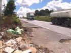 Lixo e vegetação comprometem acostamento da BR-101 em PE