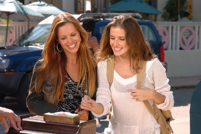 Viviane Victorette e Deborah Secco juntas em América (Foto: Márcio de Souza/Globo)