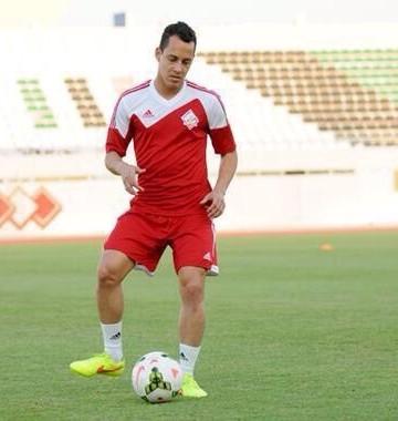 Rodriguinho já treinou pela nova equipe, nos Emirados (Foto: Divulgação)