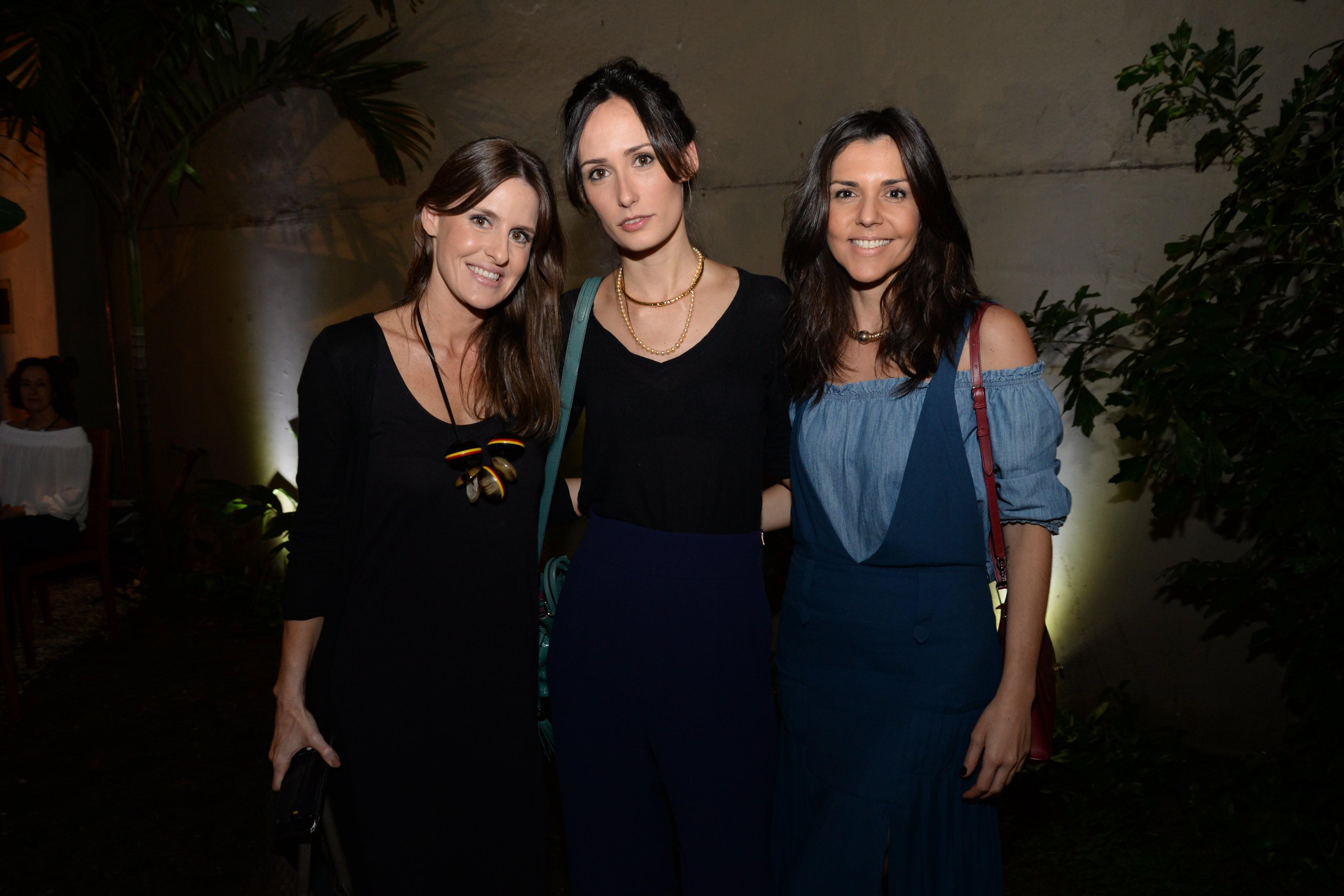Juliana Burlamaqui, Renata Assunção e Rafaella Cardoso (Foto: Divulgação)