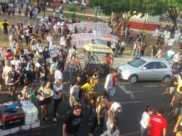Protesto, Macapá, Sindicatos, governo Temer, Reforma, Amapá (Foto: Jorge Abreu/G1)