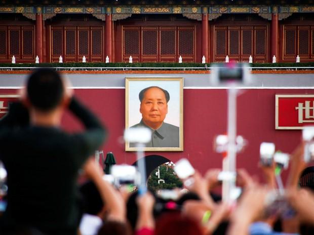 Milhares de pessoas lembram 40° aniversário da morte de Mao na China (Foto: REUTERS/Thomas Peter)