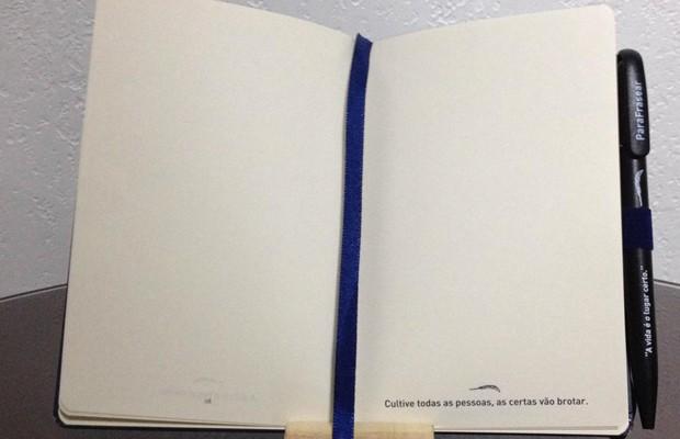 Aluísio de Paula lança livro de frases interativo 'ParaFrasear, em Curitiba (Foto: Divulgação)