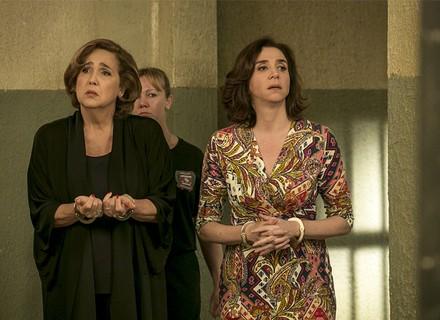 Lucrécia e Francesca desacatam delegado e acabam presas