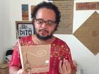 Poeta alagoano publica livros feitos à mão utilizando material reciclado