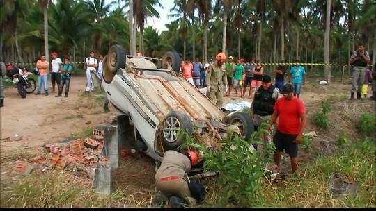 Motorista morre e passageiros ficam feridos após capotagem na Paraíba