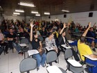 Trabalhadores dos Correios em greve fazem manifestação em Florianópolis
